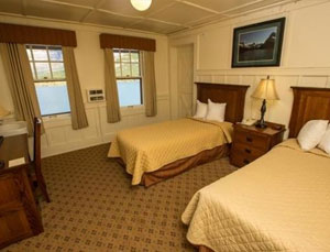 Deluxe Lakeside Room with Shared Balcony