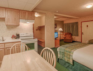 2 Queen Kitchen Suites